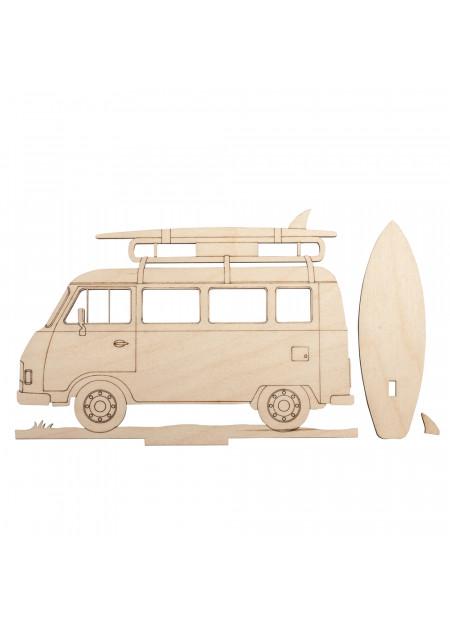 Camper met surfplanken